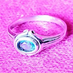 Lovely Vintage Sterling silver and Blue Topaz ring